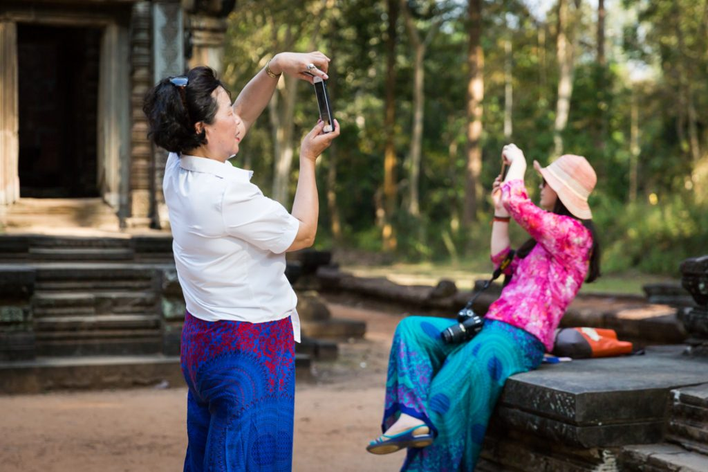 Tourists at Thommanon Temple for an article on Angkor Wat travel tips